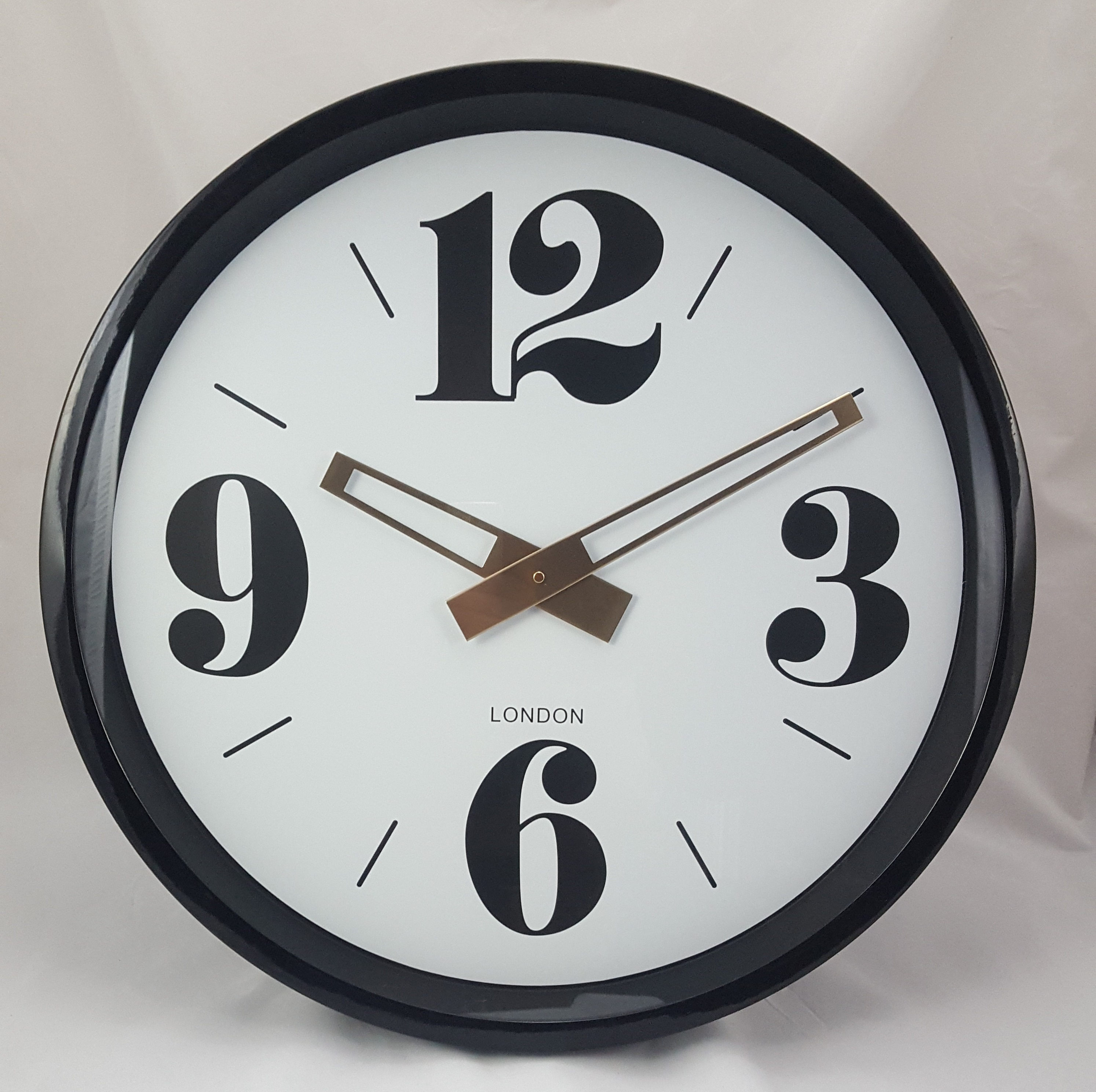 Black large retro wall clock the house in town for Black retro wall clock
